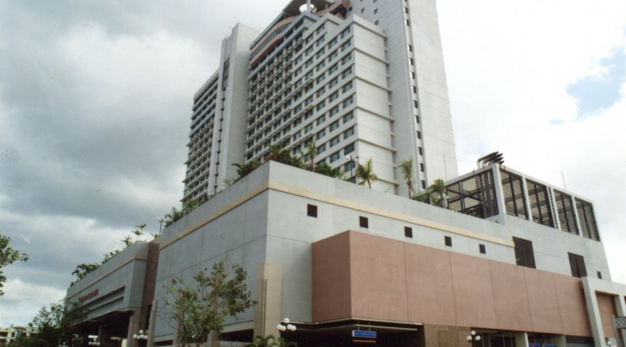 New World Hotel, Makati, Manila
